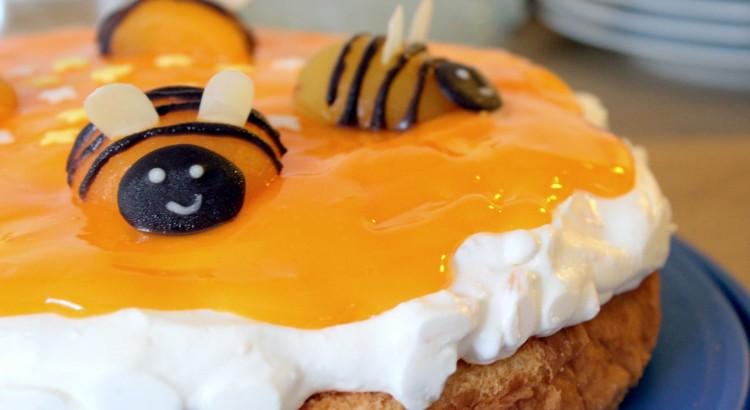 Bienenkuchen mit Aprikosen